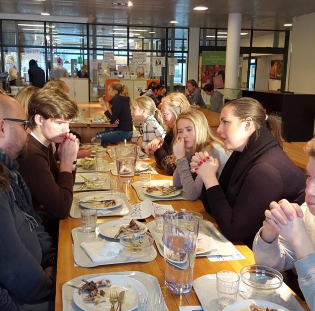 Storfint besøk på Hundsund Skolerestaurant!